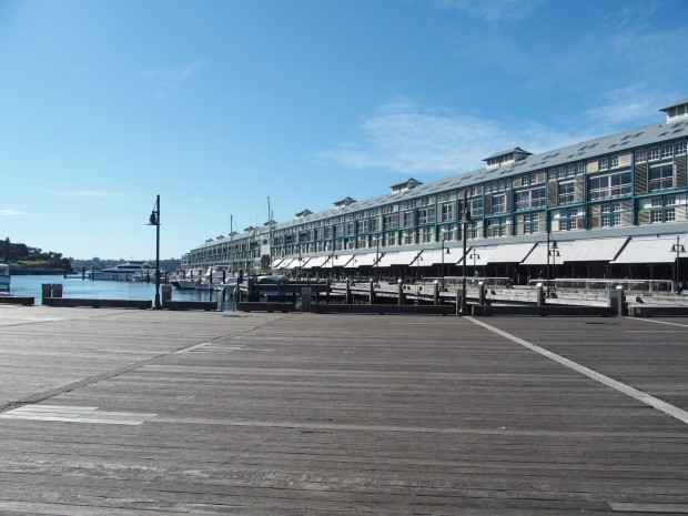 Sur le quai à Wooloomooloo Supers restos dont le China Doll, pour un dîner avec vue sur la City.